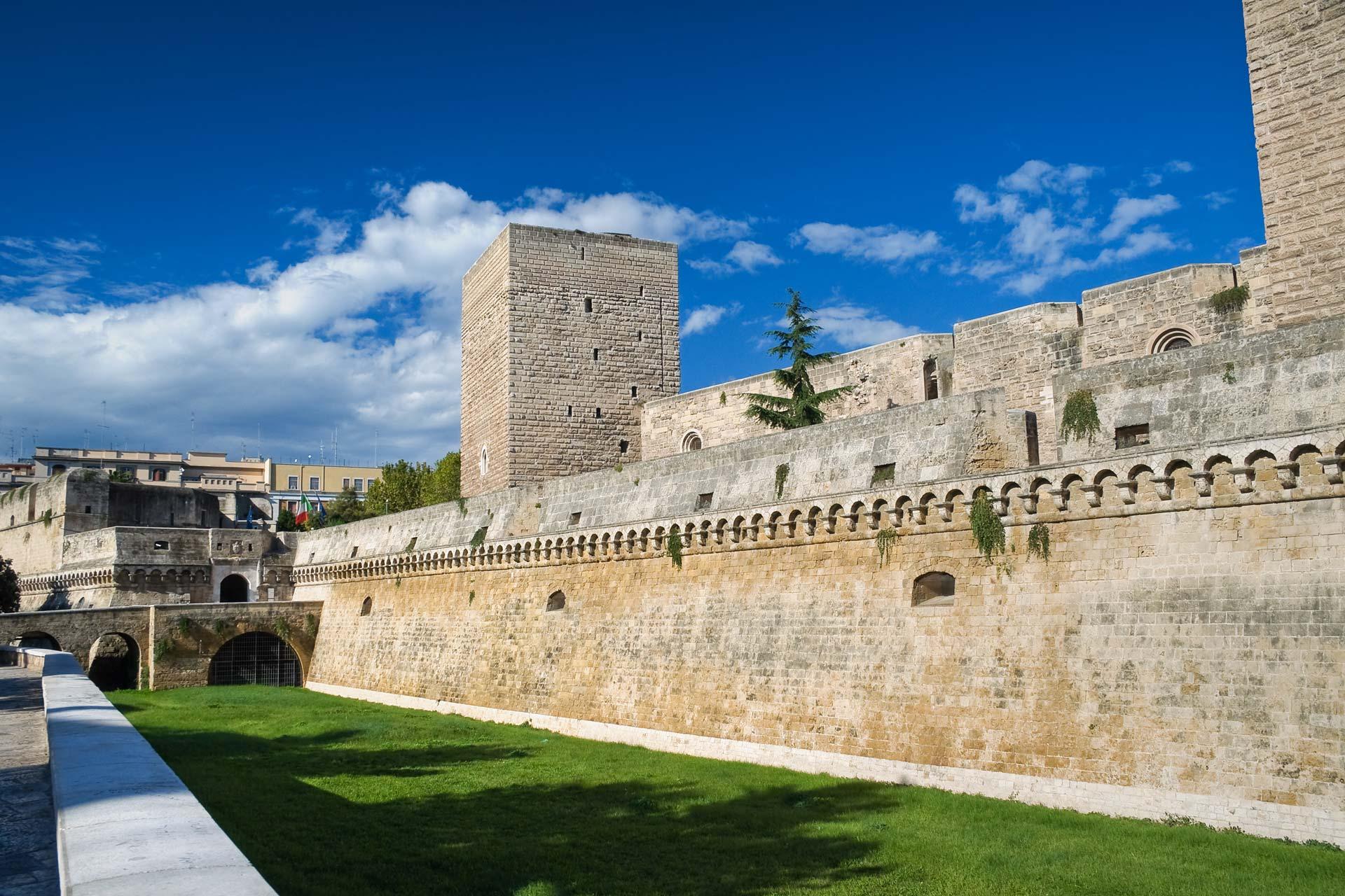 Calendario Serie B Bari.Al Castello Svevo Di Bari La Presentazione Del Calendario